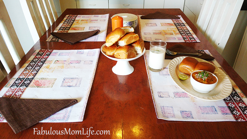 Easy Table Setting with Placemats and Napkins