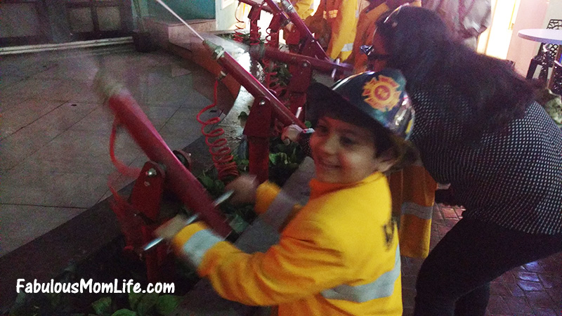 kidzania mumbai firefighter activity