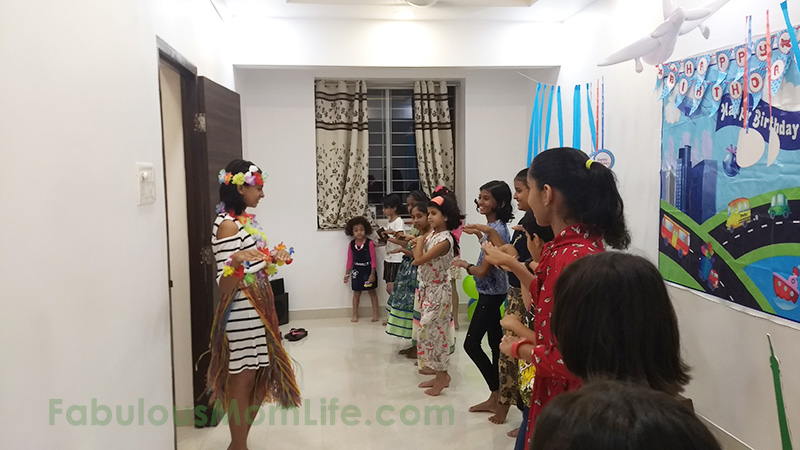 Hula Lessons in Hawaii - Around the World Party Activities