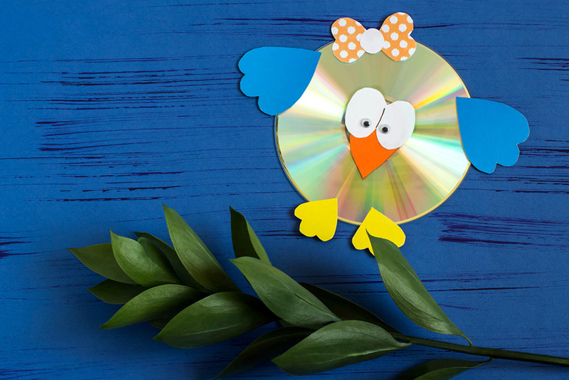Recycled CD Bird - 5 Easy Craft Ideas for Kids